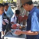 élèves en pause déjeuner