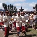 cérémonie bouddhiste au Bratan