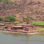 temple sur lac