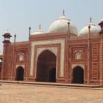mosquée en grès rouge