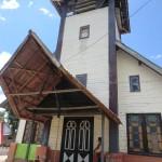 la plus vieille église de la vallée...pleine de déchets