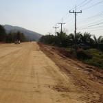 et des routes en terre