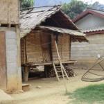 village typique avec ses paraboles