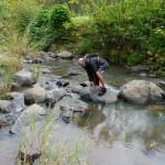 Thierry tombe à l'eau